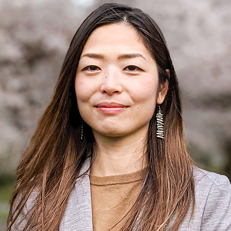 井上 莉沙 Lisa Inoue